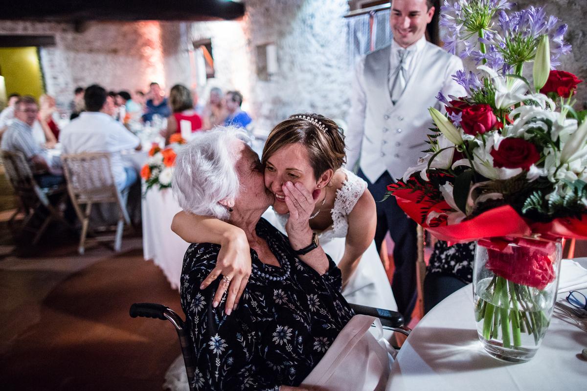 , Vi hanno visto nascere, diventare adulti e ora sposarvi: i nonni!